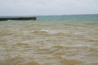 昨日の港、赤土。