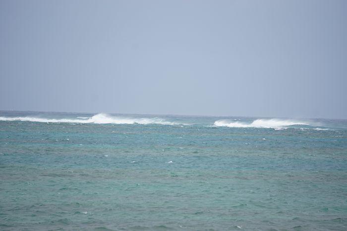 うねりはアップ!白波が風崩れていますね