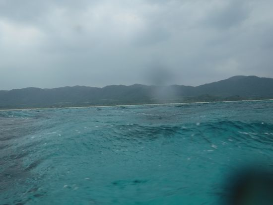 天気は相変わらずすぐれない石垣島です。