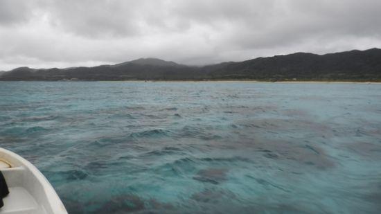 午後からは、雨もやんで穏やかな水面です