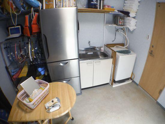 屋内事務所には、洗濯機、ドライヤーもあります