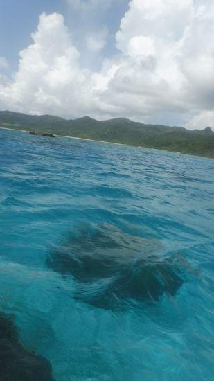 晴れ間とクリアな海が広がります。