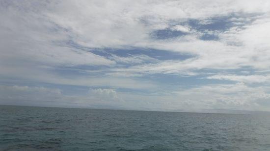 曇りの一日ですが、波は、穏やかです。