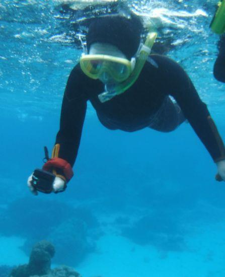 水中カメラでシュノーケリング楽しんでいます。