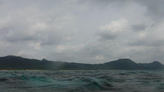 天気は、曇りですが、海は、十分にキレイです!