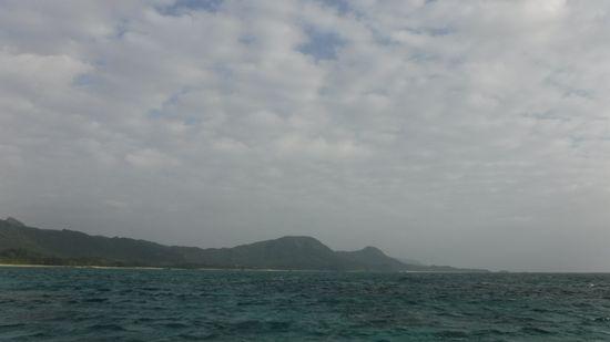 曇りで波が高い一日でしたっ!