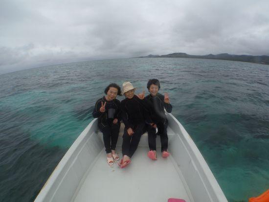プール仲間のK柴さん、I村さん、T田さんです