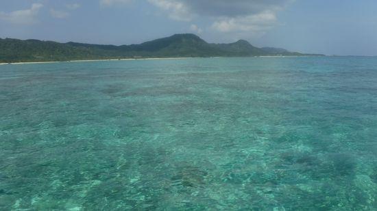 天気は、晴れ!穏やかな海です。