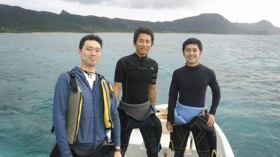 初めてのシュノーケルのK谷さんとS藤さん、S富さんです