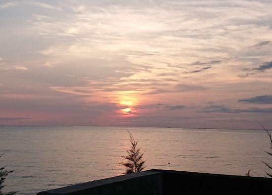 石垣島、久々の朝日です。