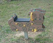 公園の遊具は、シーサーです。