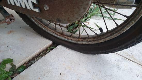 バイクがパンク。。。