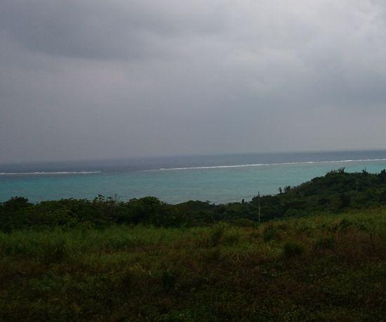 曇っていても海の色はきれいです