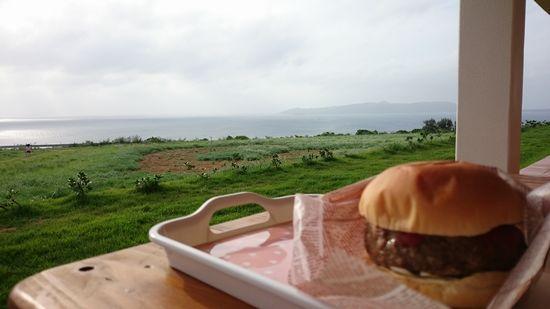 大海原を見ながらジェラート