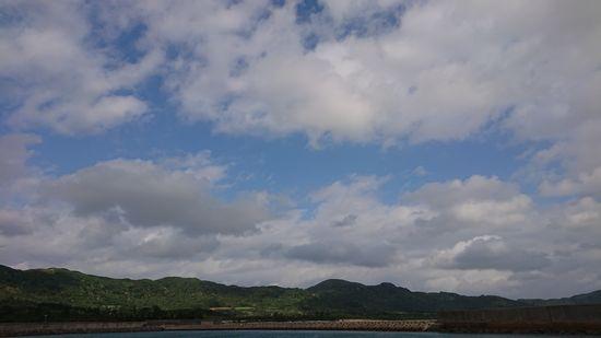 朝は曇り、午後からは晴れ間も登場です