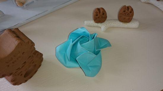 折り紙でバラの花