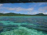 海と空は今日も絶好調の石垣島です。