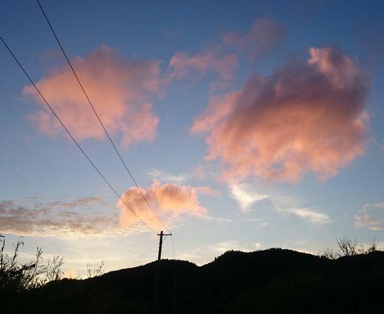 雲が茜色です。