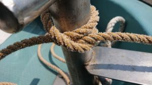 シュノーケリングツアー、ボートで重要なロープワーク♪