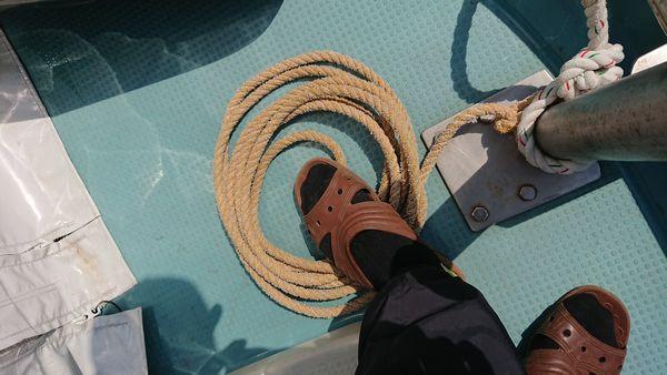 ロープは踏んではいけません。