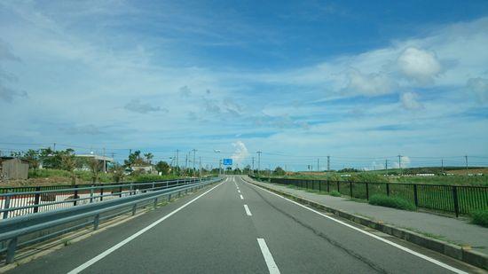 開放的な道路です