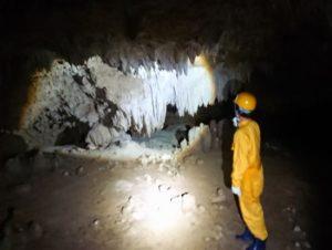 海の次は、洞窟ツアー