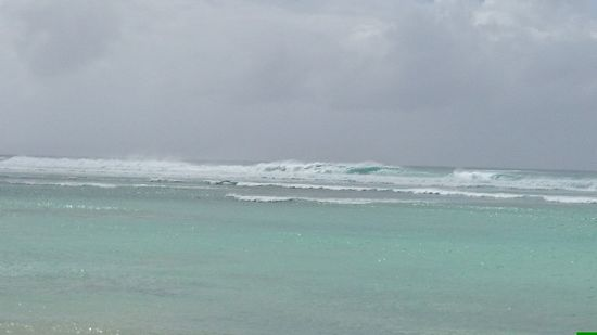 ひゃぁ~怖い大波です