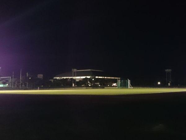 夜の陸上競技場!