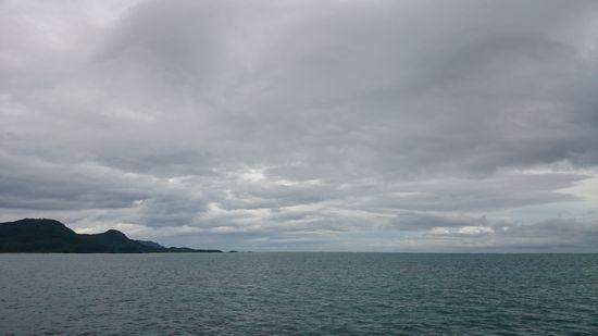 あいにくの曇り、雨模様です