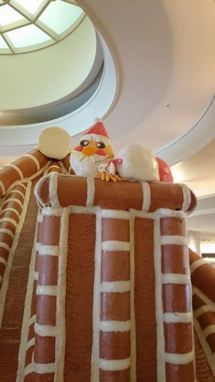 煙突には、サンタさん。