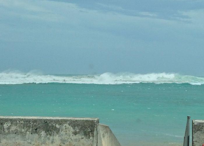 大浜海岸の波