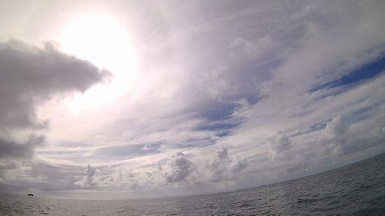 時々晴れ間の台風後の天気です