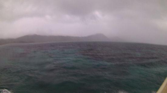 午前は、大雨です