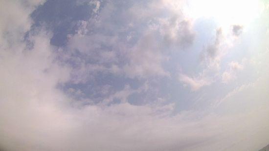 遠くに青空がポカンと。。。