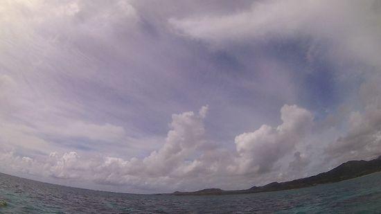 今日は、久々に曇りの石垣島です