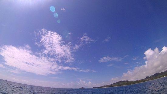 港を出発すると青空が広がります!