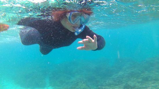 A田さん、水中を眺めています