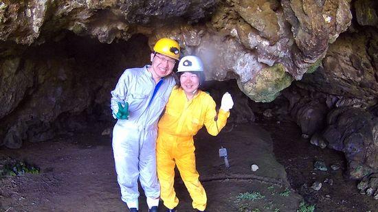 海の後は、洞窟探検です。
