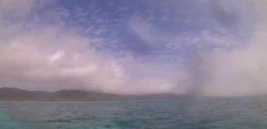 曇時々ほんのり晴れ間の一日です