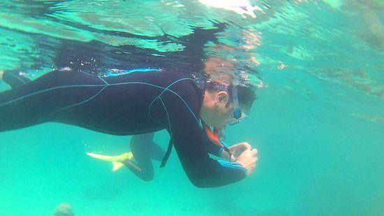 旦那さんは水中写真で撮影です