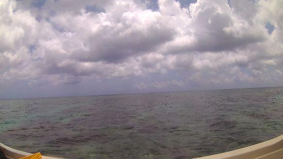 雲時々晴れの天気です