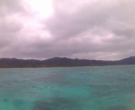 曇り模様でも海は十分キレイです。