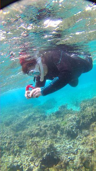 S本さんは、水中カメラで撮影を楽しんでいます