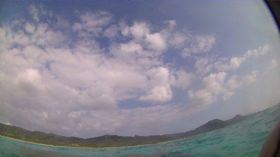 晴れ間広がる良い天気の石垣島です