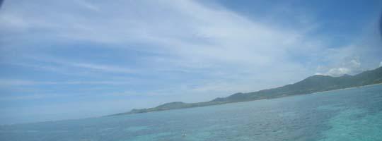 青い空、青い海。石垣島ならではの景色