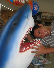 サメに食べられる!!