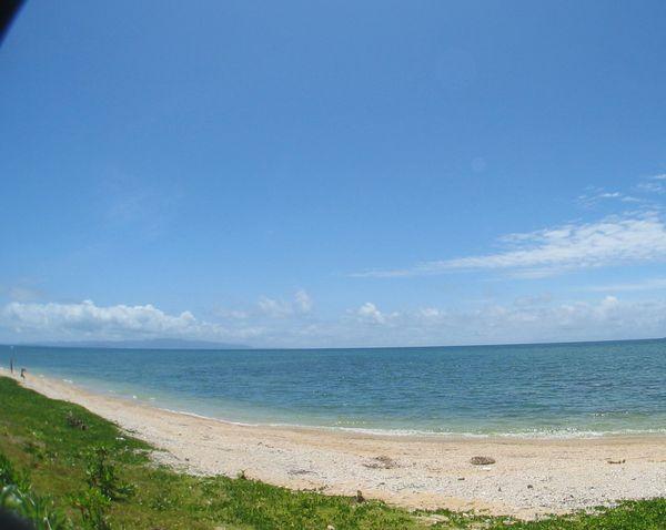 米原ビーチの海岸線