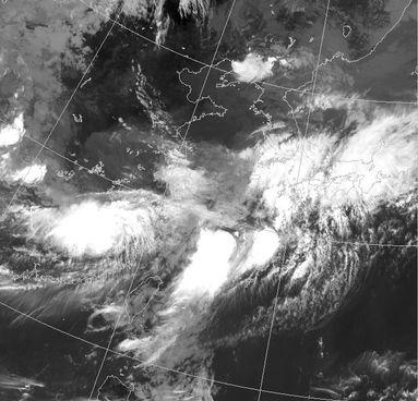 石垣島上空の真っ白な雲。