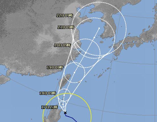 台風5号さん、石垣島近海を。
