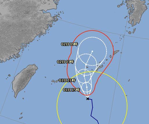台風7号さん。近海を通過中